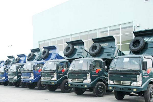 """Thị trường xe tải: """"Ông lớn"""" ô tô vật lộn thua lỗ"""